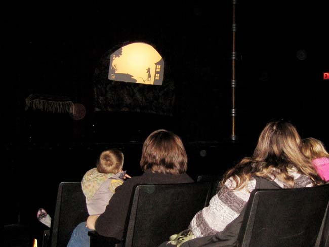Kids watching Elmer shadow show